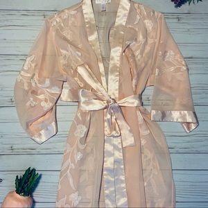 Oscar de la Renta pink label sheer floral robe 🌹